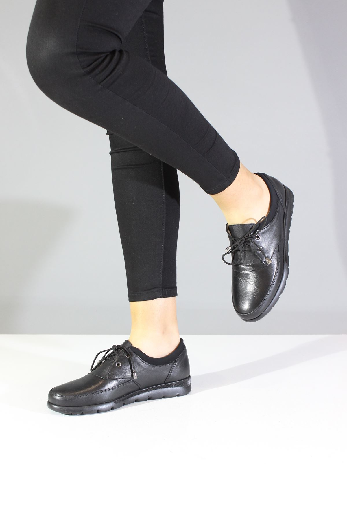 İloz  660715 Siyah Ortapedik Kadın Ayakkabı