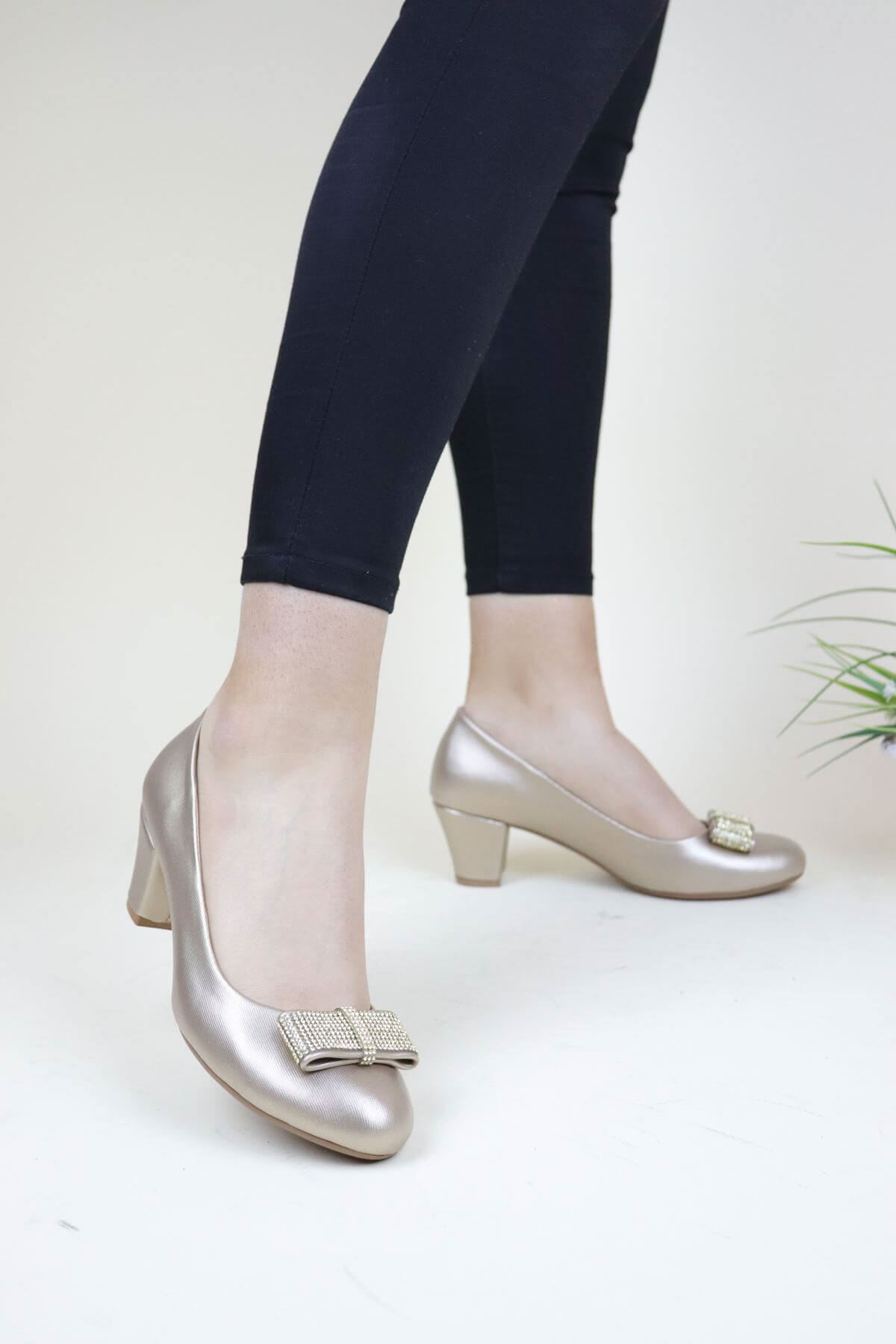 Trend Ayakkabı 0137 Altın Taşlı Kadın Ayakkabı