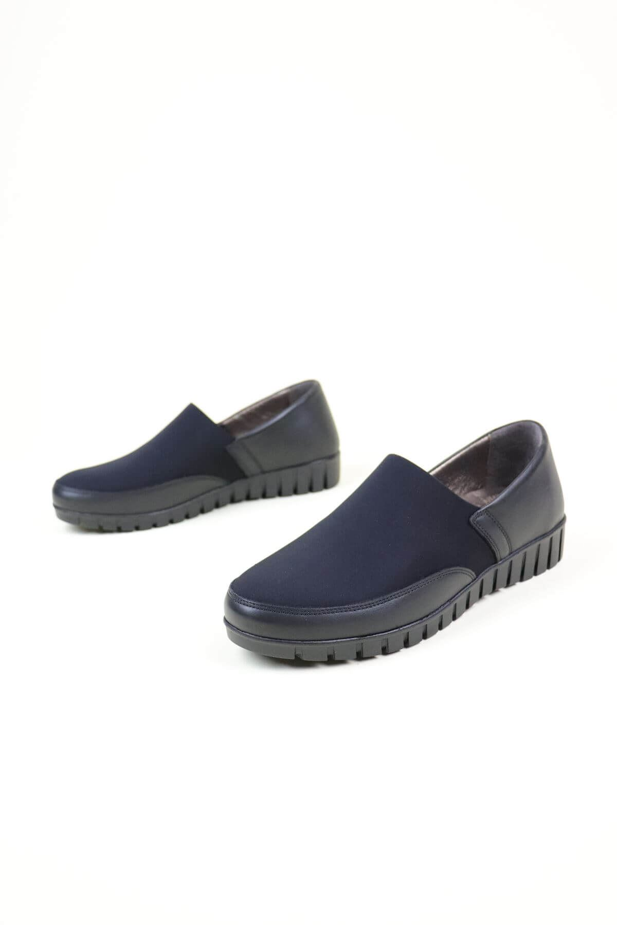 Capella Siyah  Ortopedik Kadın Ayakkabı