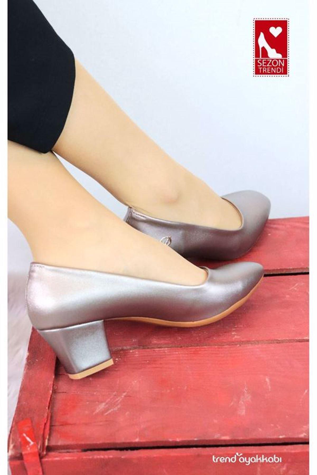 De Scario - Platin Topuklu Kadın Ayakkabısı