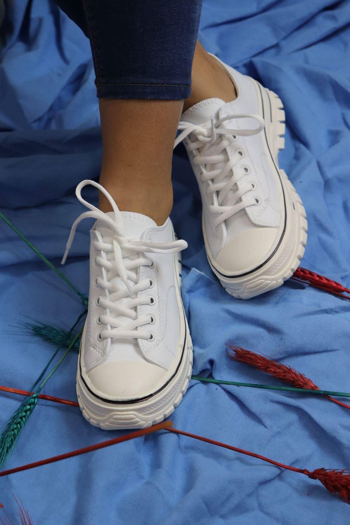 Trendayakkabı - Beyaz Kadın Sneakers