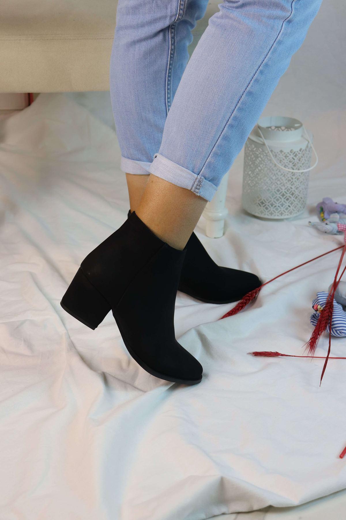 Trendayakkabı - Düz Kadın Kısa Topuklu Bot