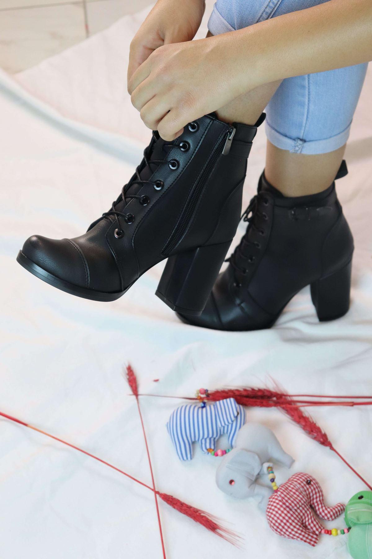 Trendayakkabı - Bağcıklı Kadın Bot