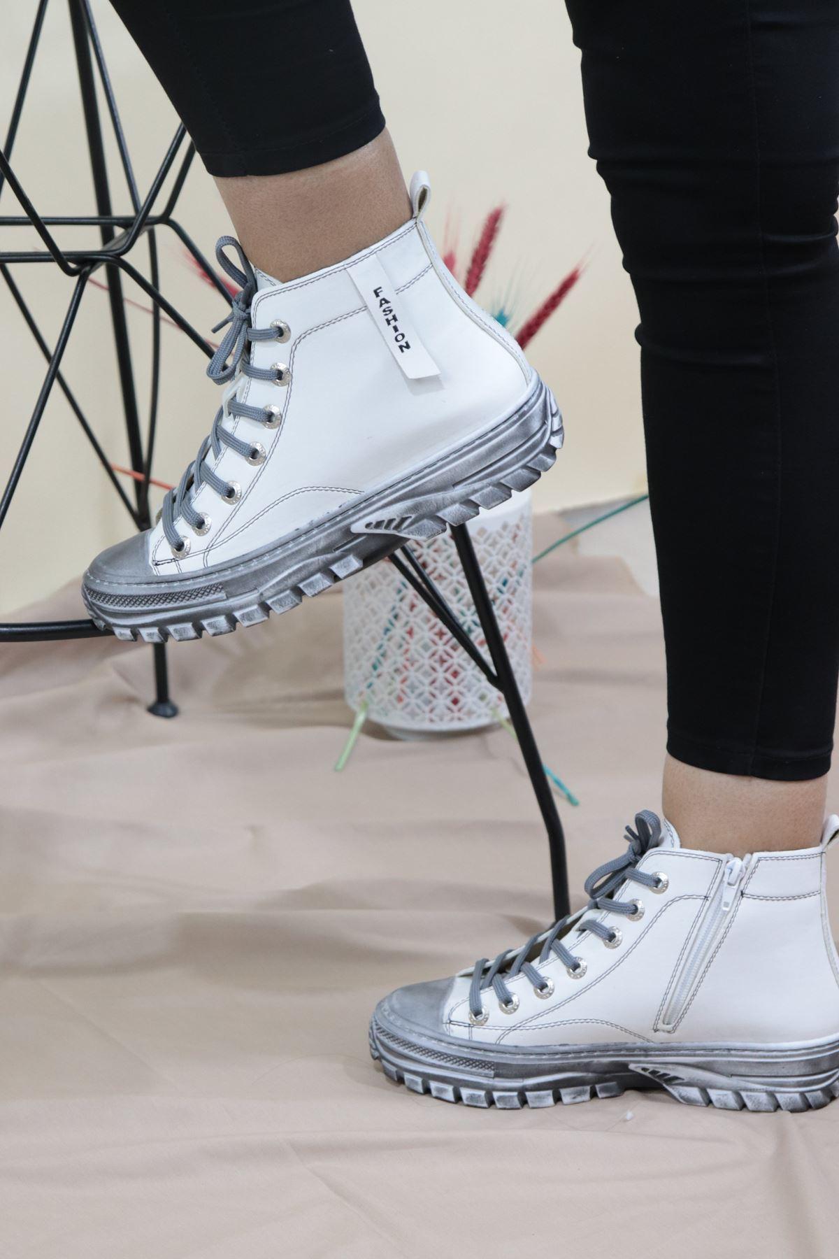 Trendayakkabı - Beyaz Converse Kadın Bot