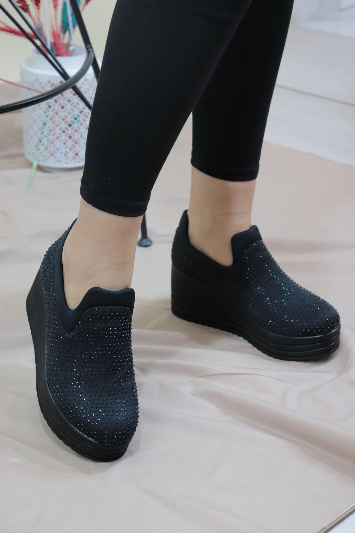 Trendayakkabı - Siyah Taşlı Dolgu Topuk Kadın Ayakkabı