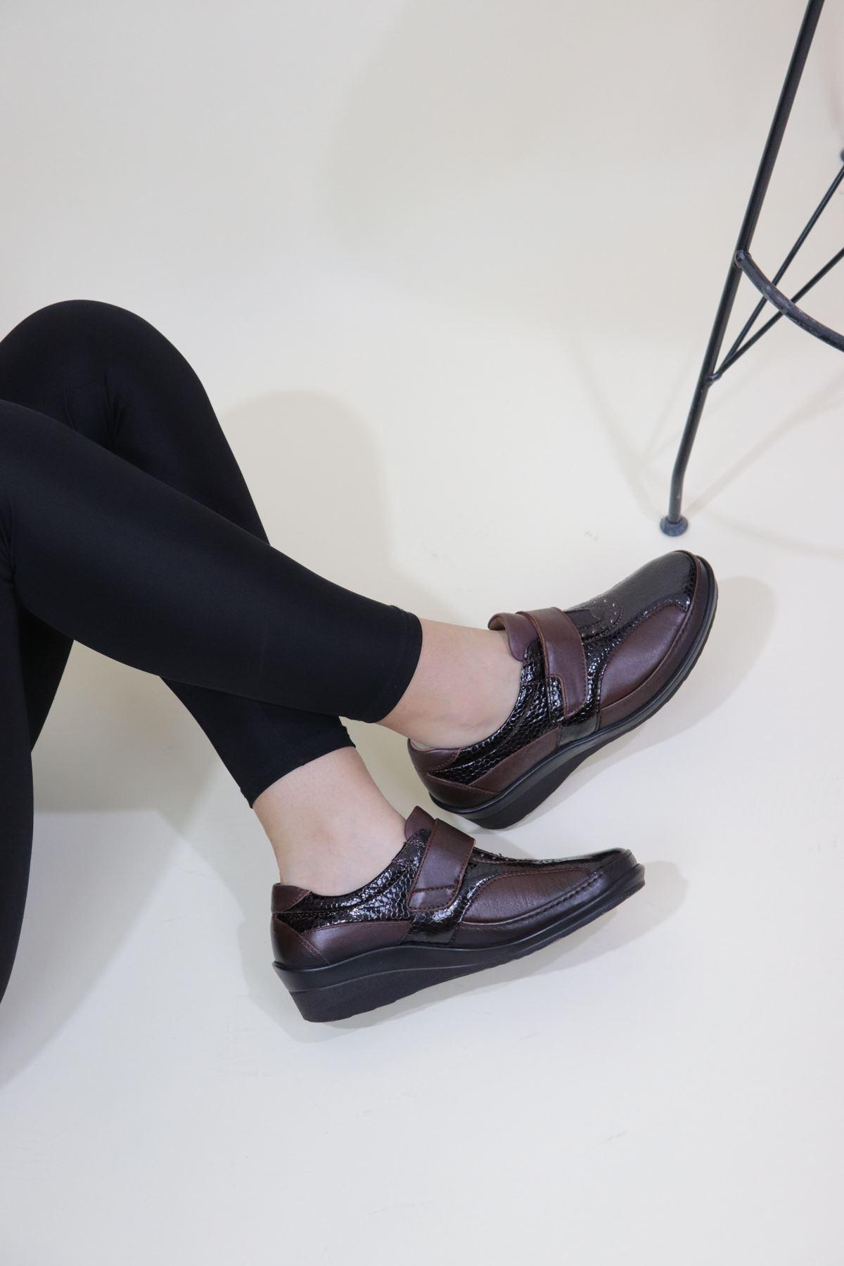FORELLİ - 26213 Kahverengi Çırtlı Kadın Ortopedik Ayakkabı