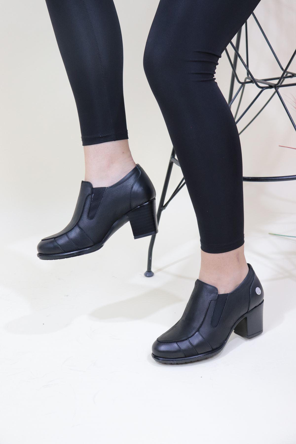 Mammamia - D20KA-750-Z Siyah Nubuk Topuklu Kadın Ayakkabı