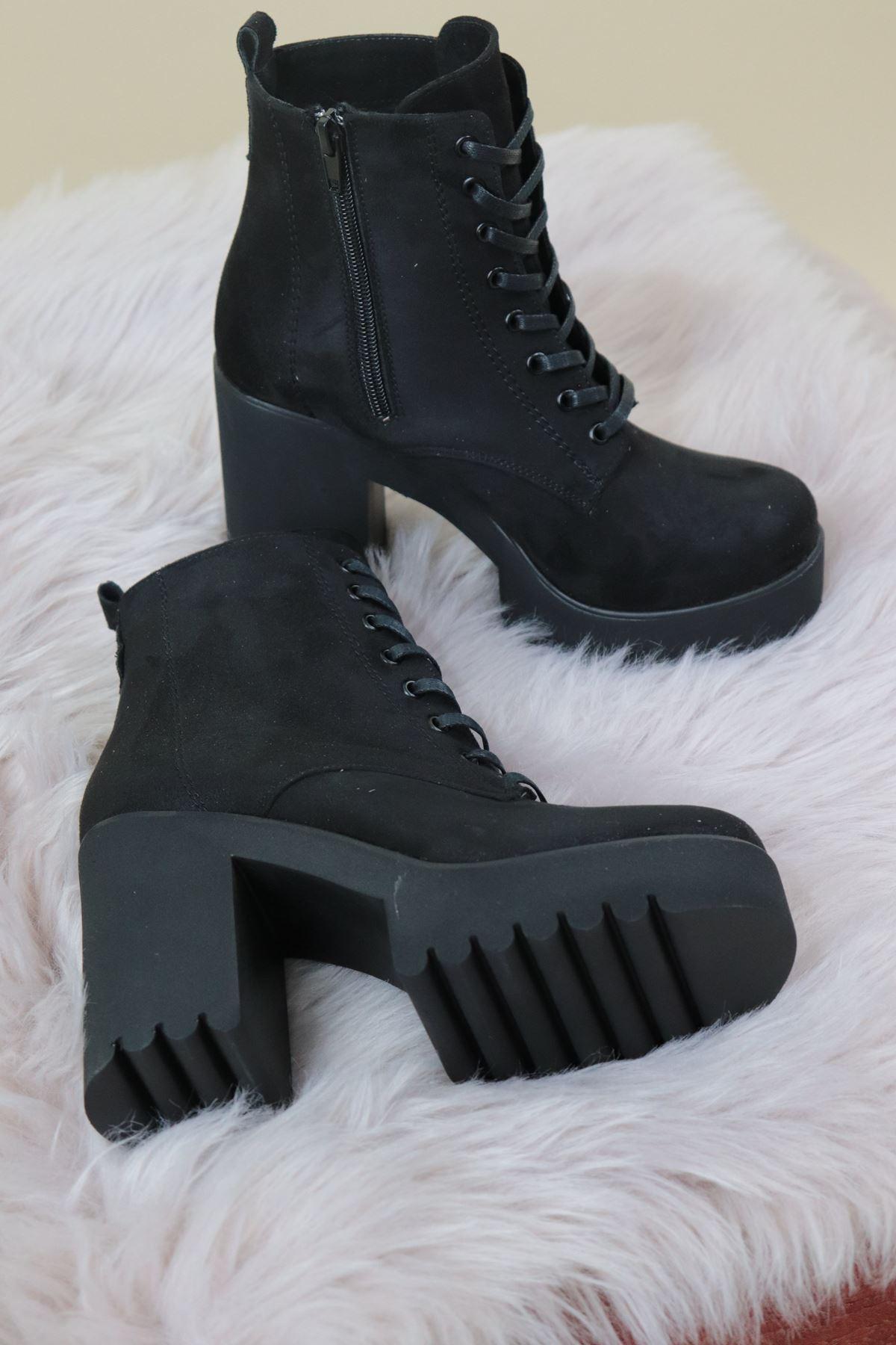 Trendayakkabı - Siyah Süet Yüksek Topuk Kadın Bot