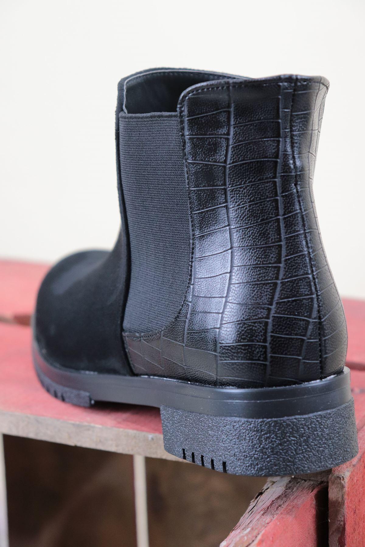 Trendayakkabı - Siyah Yanı Lastikli Kadın Bot