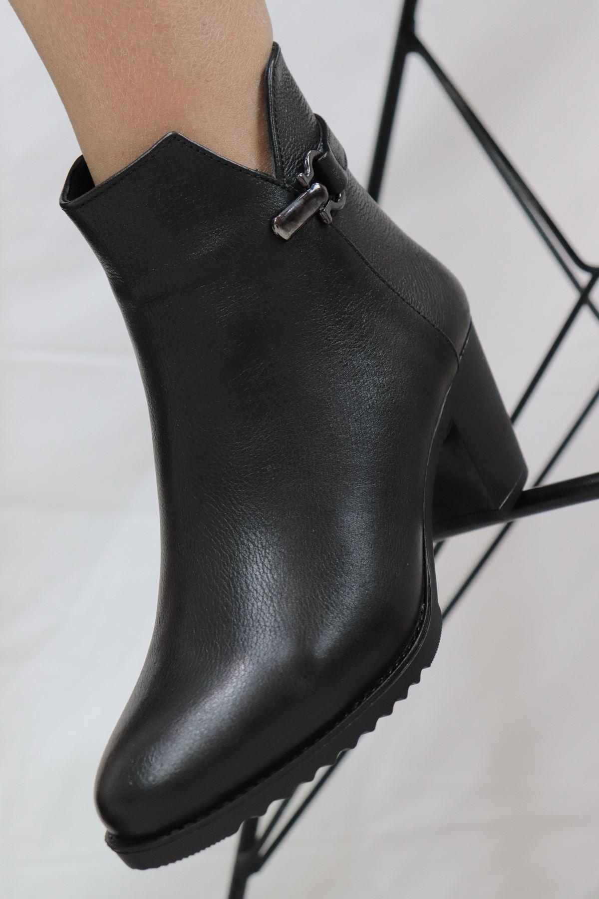 Trendayakkabi - 6941-1 Hakiki Deri Siyah Kadın Bot