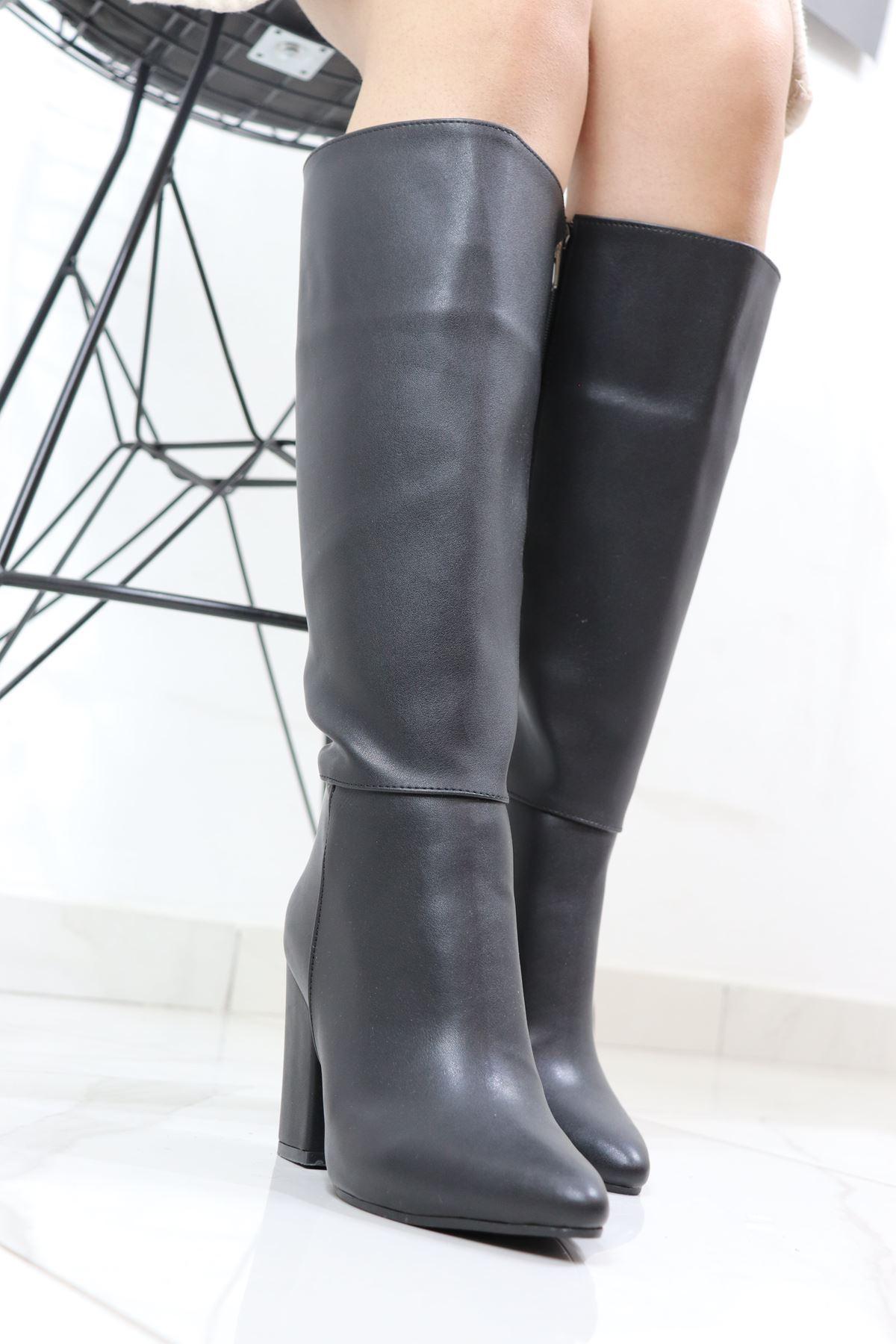 Trendayakkabi - Siyah Topuklu Çizme