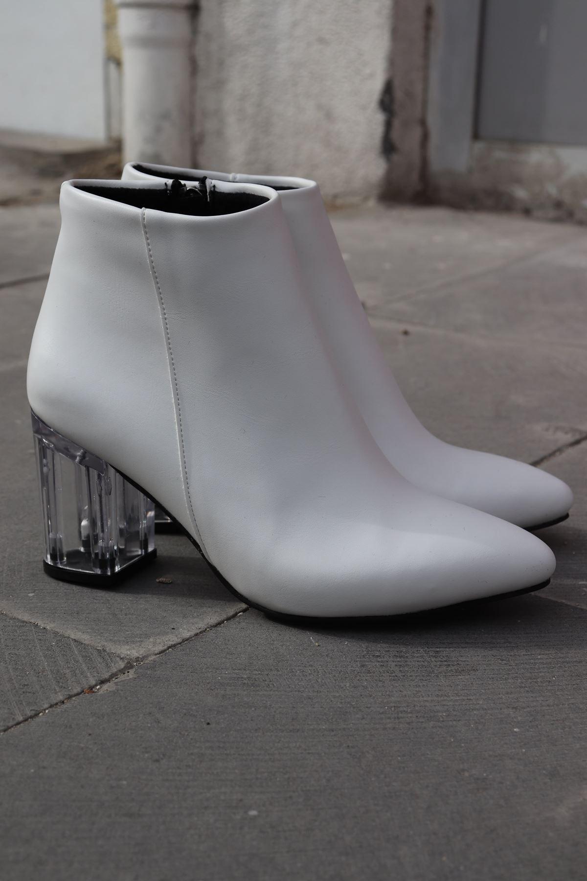Trendayakkabı - Beyaz Şeffaf Topuk Kadın Bot