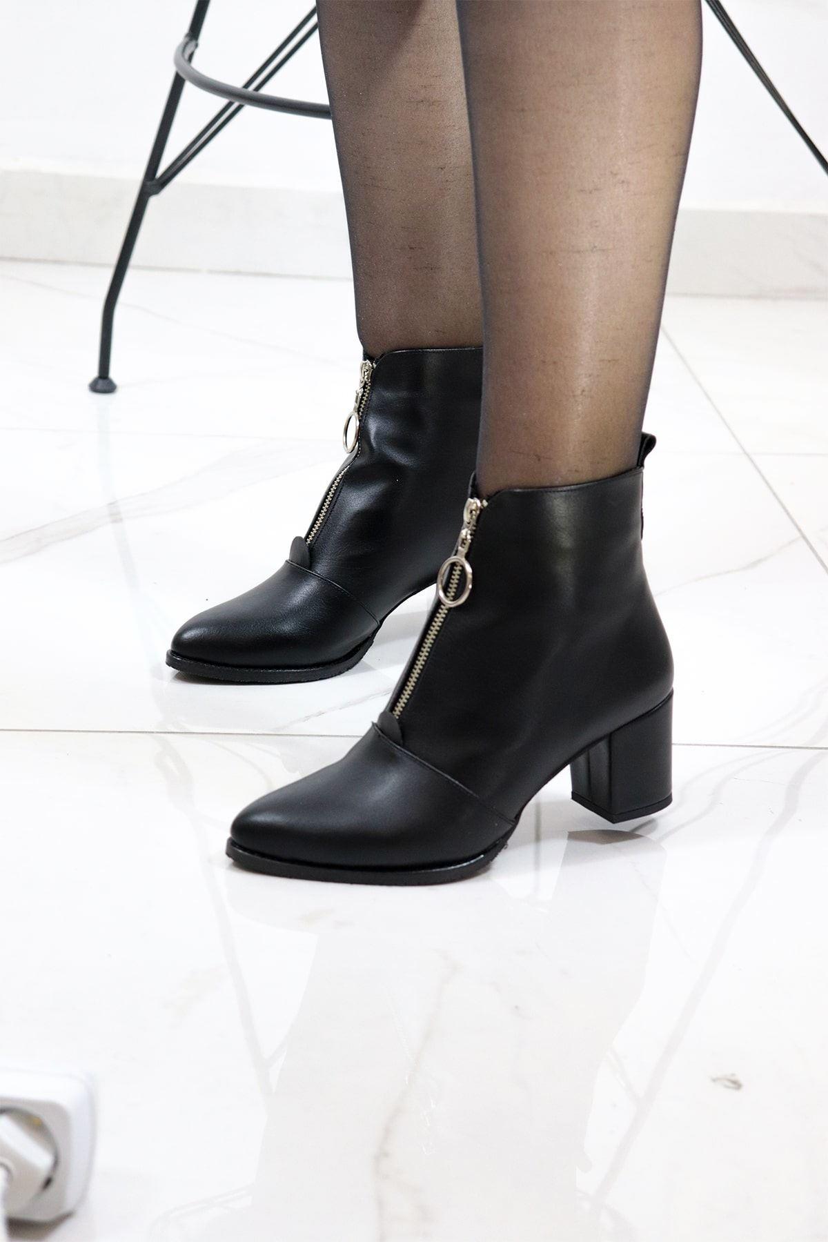 Trendayakkabı - Siyah Önü Fermuarlı Kadın Bot