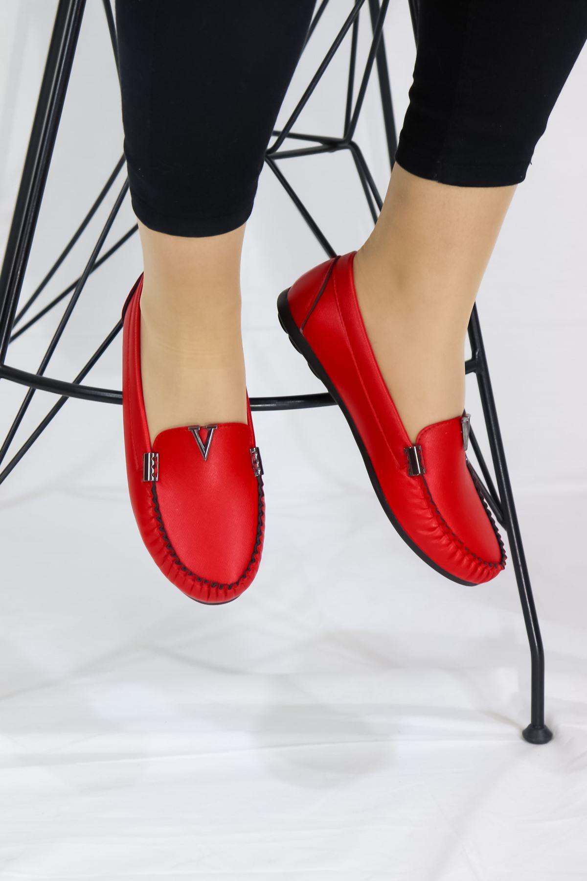 Trendayakkabı - Kırmızı Detaylı Babet