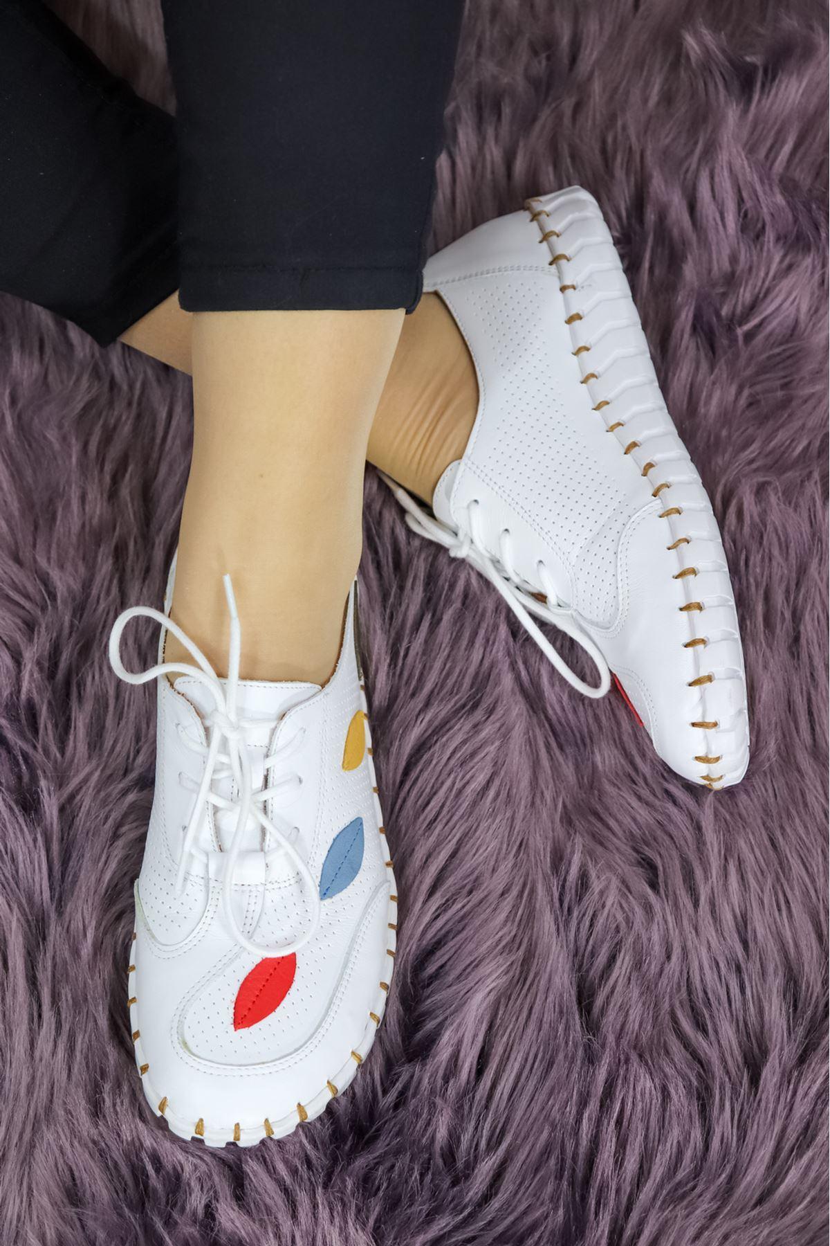 Venüs - 2110709Y Beyaz Bağcıklı Kadın Ayakkabısı