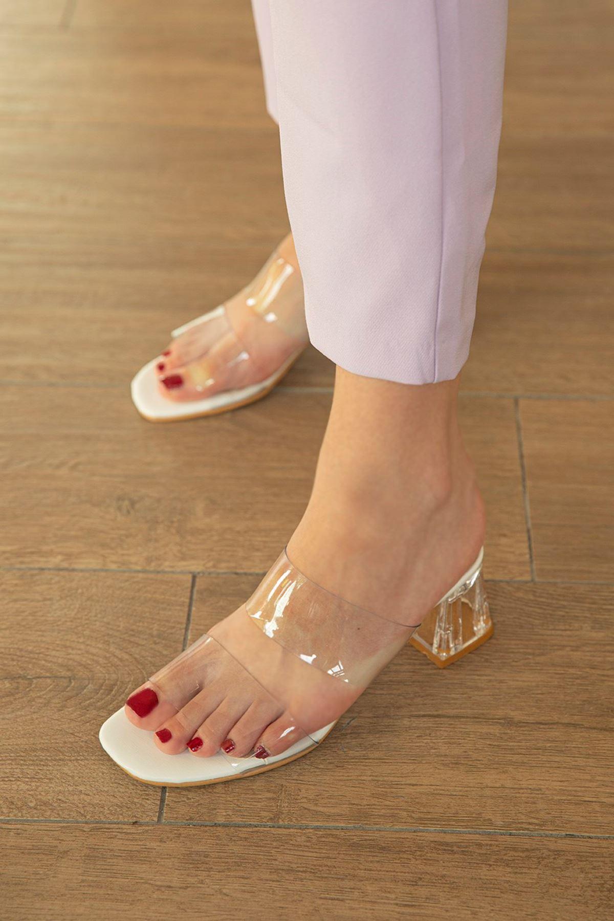 Trendayakkabı - Beyaz Kadın Şeffaf Topuklu Terlik