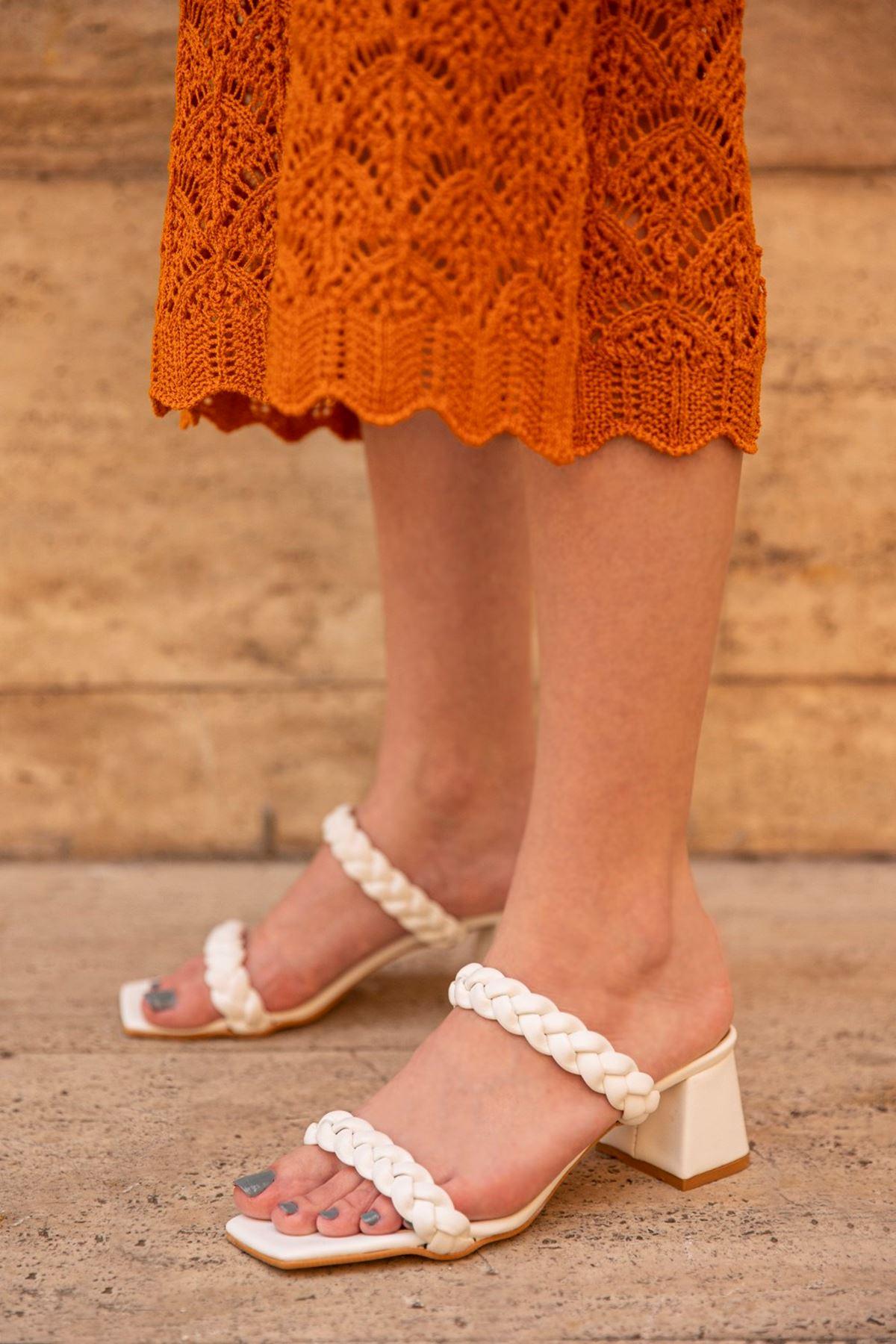 Trendayakkabı -  Bayan Örgü Detay Topuklu Sandalet Beyaz