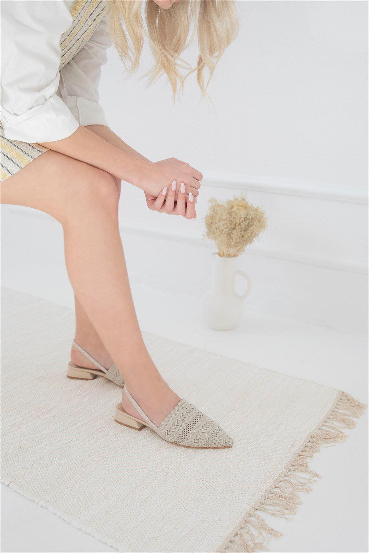 Trendayakkabı -  Kadın Triko Detay Topuklu Sandalet Bej