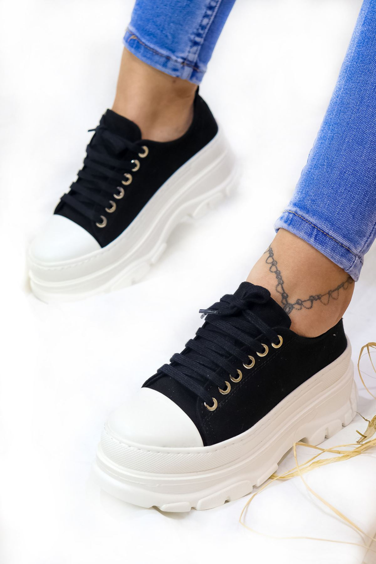 Trendayakkabı - Siyah Yüksek Topuk Convers
