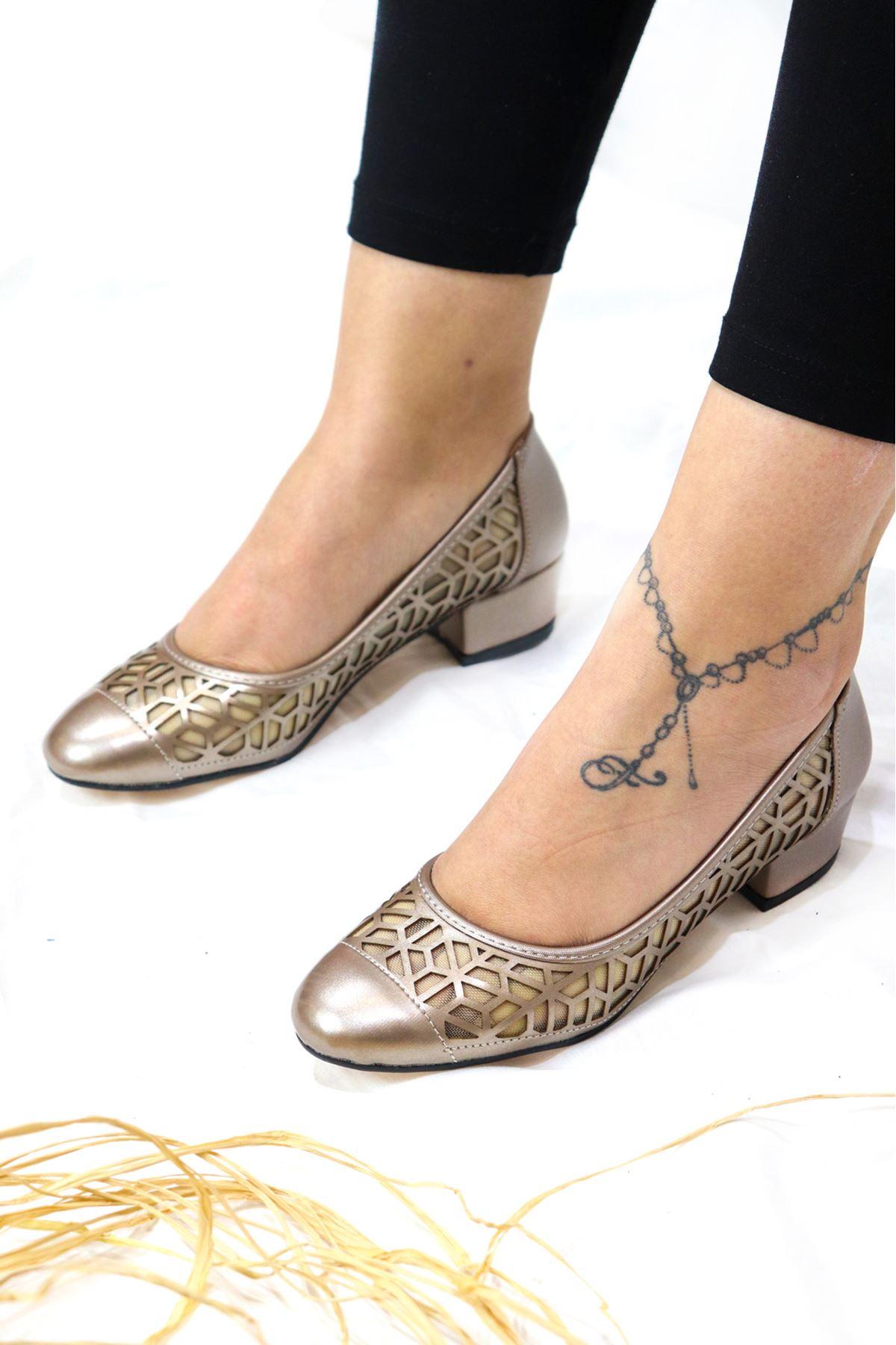 Trendayakkabı -  1 Platin Kadın Topuklu Ayakkabı