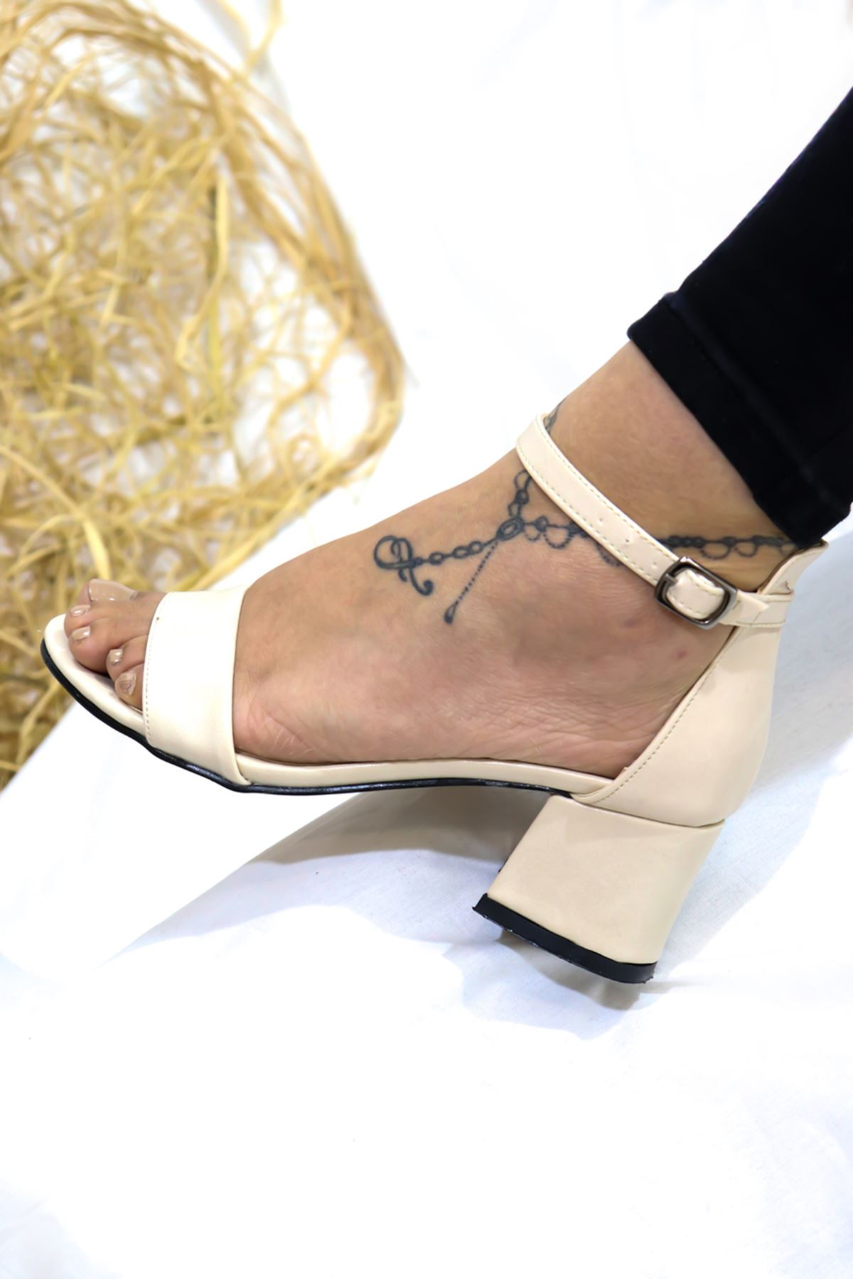 Feles - Tek Bantlı Kadın Topuklu Ayakkabı Bej