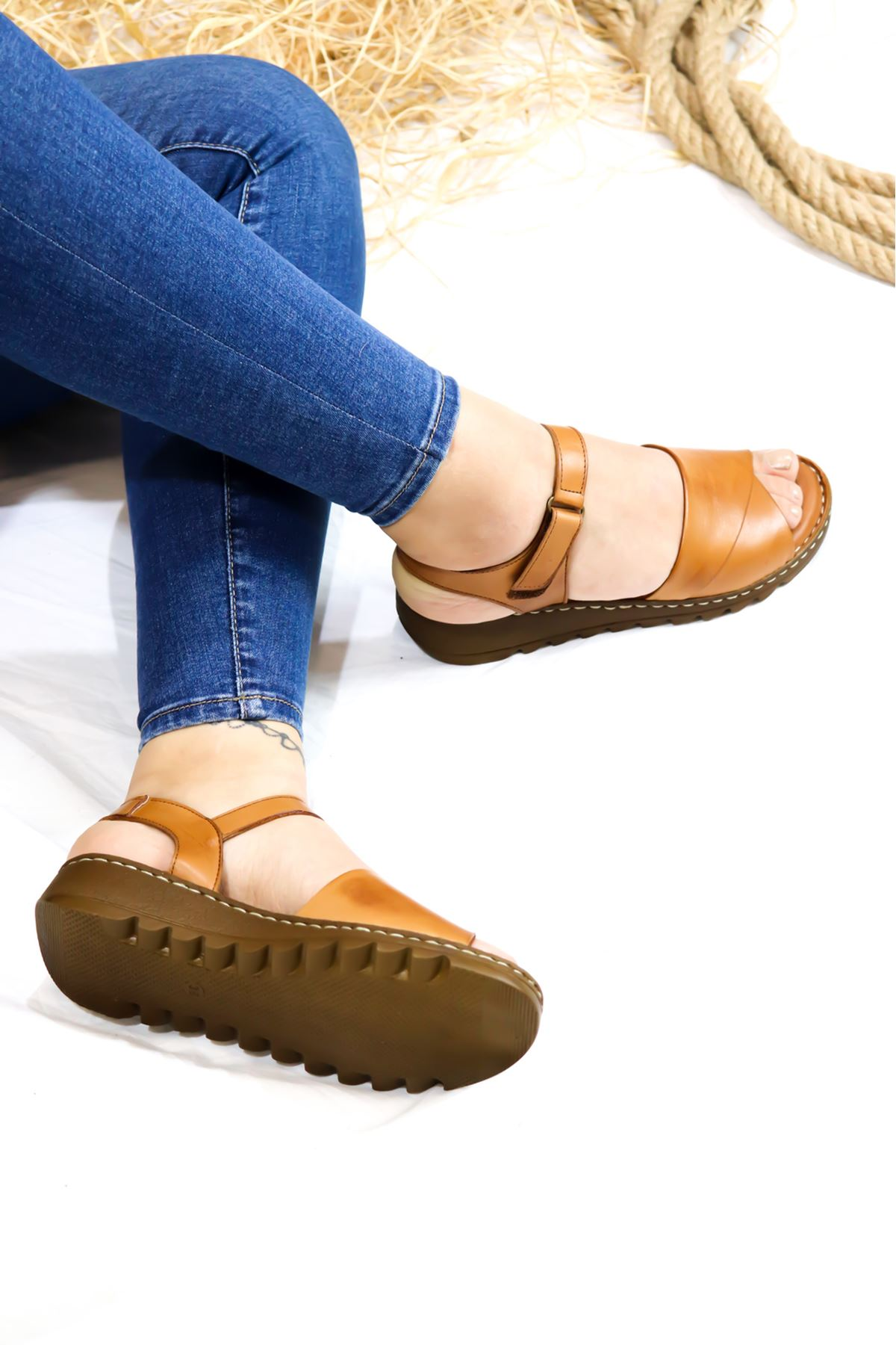 Trendayakkabı - 21Y063021 Taba Kadın Sandalet