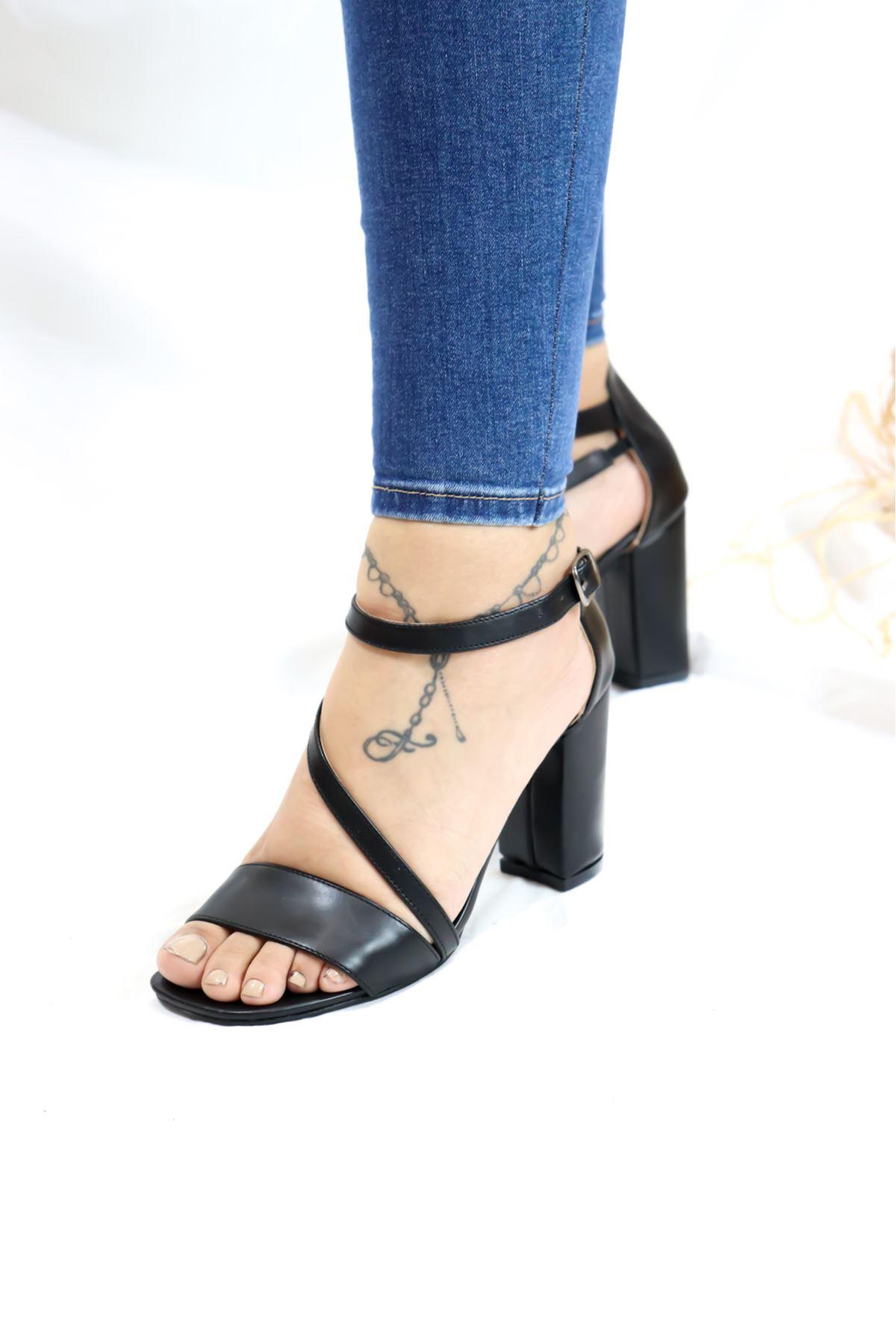 Feles - Siyah Tek Bant Kadın Ayakkabı