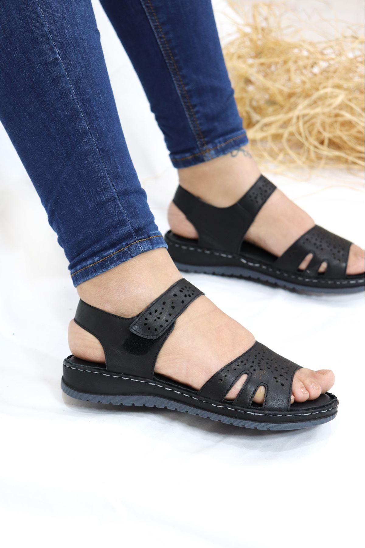 Trendayakkabı - Hakiki Deri Siyah sandalet