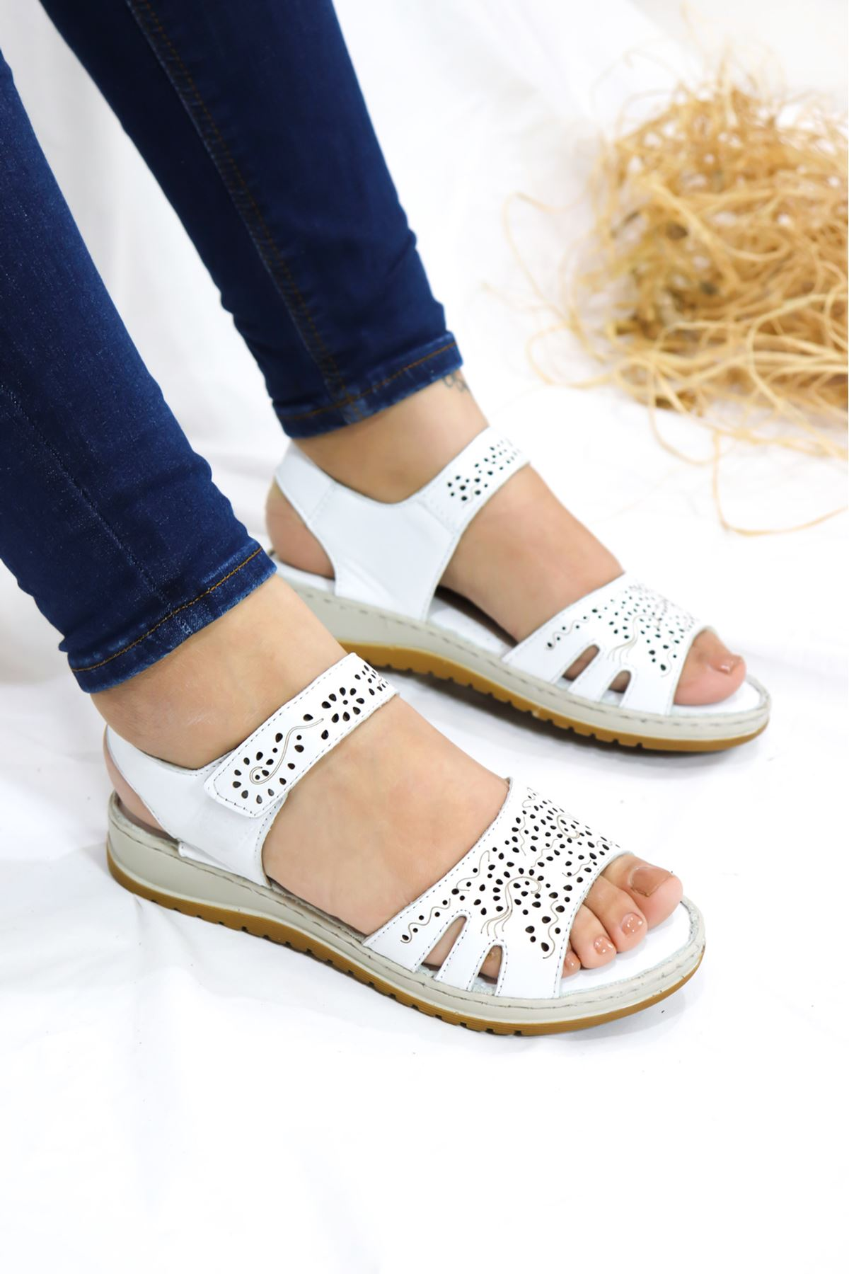 Trendayakkabı - Hakiki Deri Beyaz sandalet