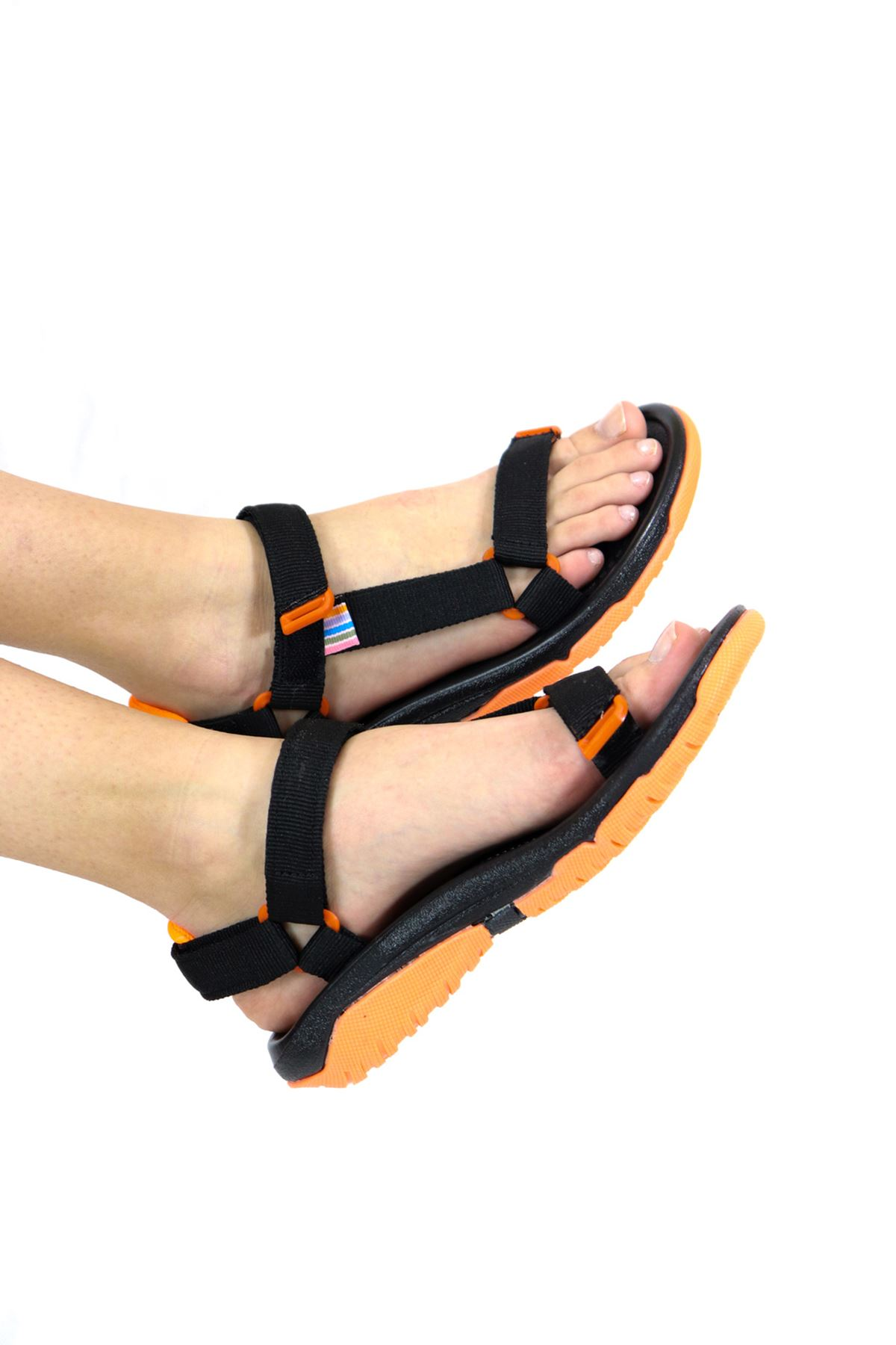 Trendayakkabı -Siyah Turuncu Kadın Sandalet