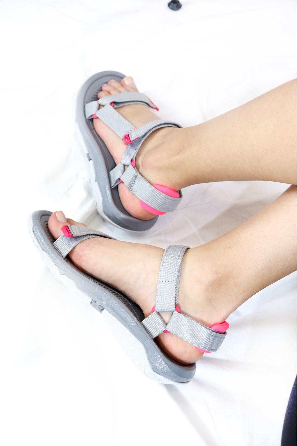 Trendayakkabı - Gri Pembe Kadın Sandalet