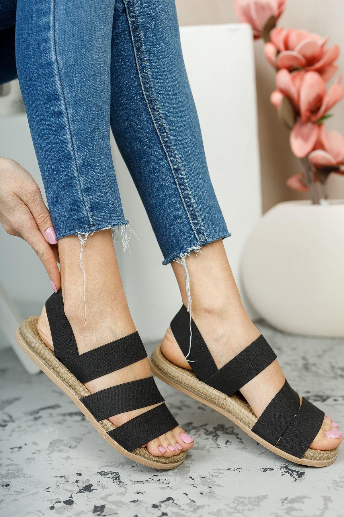Trendayakkabı - Siyah Kadın Şeritli Sandalet
